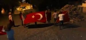 """Köyde çocukların """"Şehitler Ölmez, Vatan Bölünmez"""" yürüyüşü"""