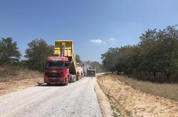 İki mahalleyi bağlayan yolda sathi kaplama çalışması tamamlandı