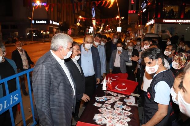 """Palandöken Belediyesi'nden 15 Temmuz'a özel maske Başkan Sunar: """"Bu millet için ne yapsak azdır"""""""
