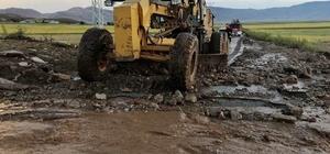 Çaldıran'da yaşanan sel, Van Büyükşehir Belediyesini harekete geçirdi