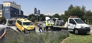 Otomobil ile ticari taksi çarpıştı: 1 ölü, 5 yaralı