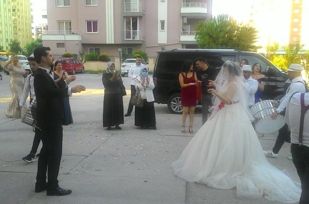 Düğünlerde sosyal mesafe kurallarına dikkat