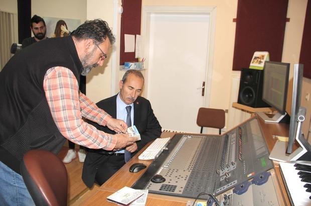 Üniversite değerlerine sahip çıkıyor Sivas Cumhuriyet Üniversitesi,genç nesillerle buluşturulmak üzere 10 Sivas türküsü  bir albümde toplayarak kültür hayatına önemli katkıda bulundu.
