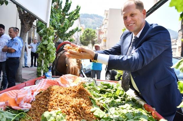 Kuru üzümde ihracat rakamları sevindirdi Devam eden 2019-2020 kuru üzüm sezonunda şu ana kadar toplam 222 bin 81 ton üzüm ihraç edilirken, 457 milyon 391 bin dolar gelir elde edildiği öğrenildi
