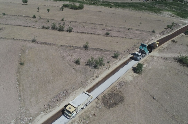 Manisa'da 5 farklı ekip 800 kilometrelik asfalt hedefi için çalışıyor