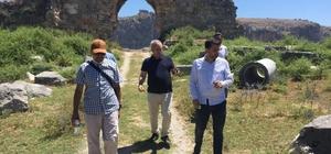 """Kozan Kalesi Restitüsyon Projesi onaylandı Kozan Belediye Başkanı Kazım Özgan: """"Kalede yürüyüş yolları, seyir terasları, müze, restoran ve kafeler olacak"""""""