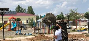 Çaldıran Belediyesi sazan balığının heykelini dikecek