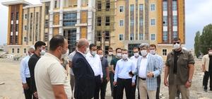 Vali Bilmez, Tuşba Belediyesi hizmet binasında incelemelerde bulundu