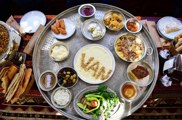 """Van kahvaltısı ve gül reçeli koruma altına alındı Van Valisi ve Büyükşehir Belediye Başkanı Mehmet Emin Bilmez: """"Van kahvaltısını muhafaza etmek önemli bir husustur"""""""