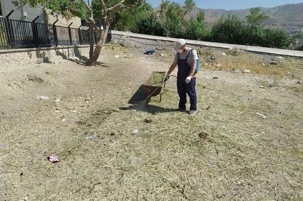 Hakkari'de kurban satış noktaları dezenfekte edildi