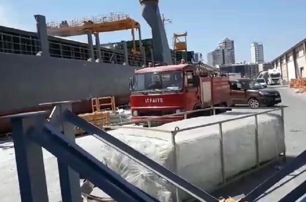 İzmir Limanı'nda yangın paniği