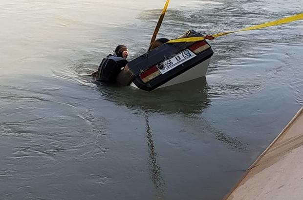 Otomobil sulama kanalına devrildi, 2 kişi boğuldu