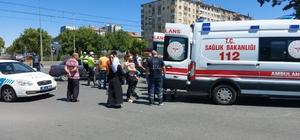 Kayseri'de iki araç kavşakta çarpıştı; 6 kişi yaralandı