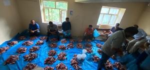 Van'da kurban eti dağıtma geleneği asırlardır sürüyor