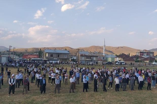 Yüksekova'daki trafik kazasında ölenler için tören düzenlendi