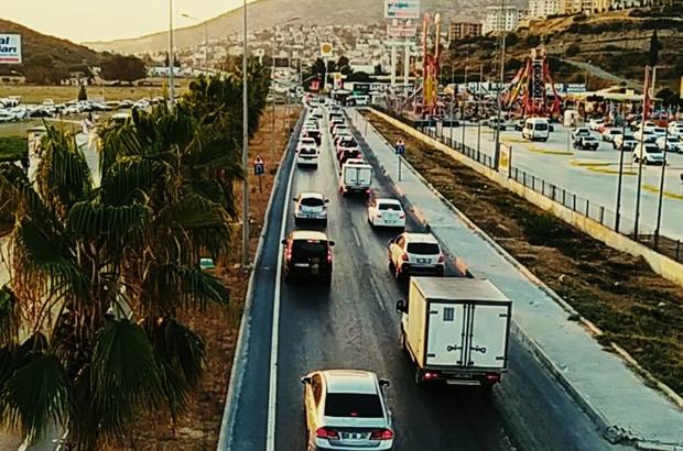 Kuşadası'na bayramda 206 bin araç giriş yaptı