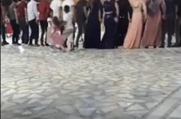 Mardin'de korona virüse davetiye çıkaran bir tablo daha: Maskesiz, sosyal mesafesiz halay