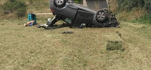 Uşak'ta trafik kazası; 4 yaralı Takla atan araçta 4 kişilik aile hastaneye kaldırıldı.