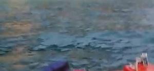Su alan teknede 7 kişi mahsur kaldı Mahsur kalanları sahil güvenlik kurtardı