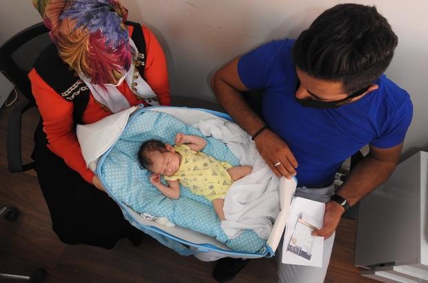 Yeni doğan bebeklerinin altını değiştirdiklerinde şok oldular Gaziantep'te hastanenin 'erkek' dediği bebek evde 'kız' çıktı