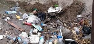 Sulama kanalına atılan çöpler utandırdı Bayramdan sonra su verilen kanallar, atılan çöpleri ortaya çıkardı