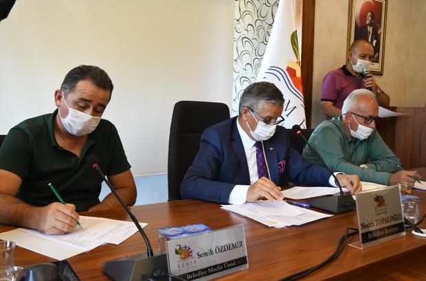 """Necati Topaloğlu'ndan Beldibi'ndeki imar açıklaması Belediye Başkanı Necati Topaloğlu: """"Beldibi Mahallesi'ndeki imar planlarıyla ilgili 160 itiraz var. Önümüzdeki haftalarda bakanlıktan randevu alacağız bu itirazlarla ilgili vatandaşı nasıl memnun edebiliriz diye bir çalışma yapacağız"""""""