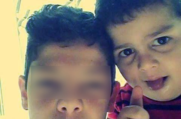 8 yaşındaki kardeşini öldürdüğünü, polis merkezine giderek itiraf etti Antalya'da kardeşini bıçaklayarak öldüren şüpheli gözaltına alındı