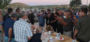 İYİ Parti Genel Başkanı Akşener'in programında maske ve sosyal mesafe kuralı hiçe sayıldı İYİ Parti Genel Başkanı Akşener, Nevşehir'de partililer ile bir araya geldi