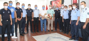 Başkan Bilgin'den zabıta personeline baklavalı kutlama