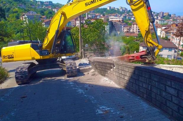 Gülüç Belediyesi yol genişletme çalışması yapıyor