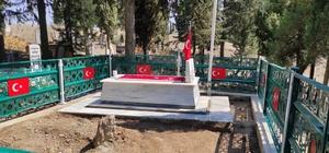 Salihlili şehidin mezarı jandarma tarafından yenilendi