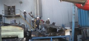 Gerede OSB'de metal fabrikasının soğutma kuleleri yandı Su soğutma kuleleri yanan metal fabrikası üretime ara verdi