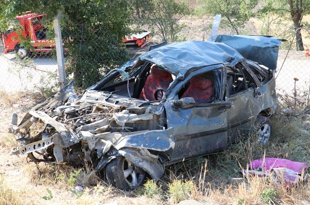 Bir aileyi trafik canavarı ayırdı Amasya'da otomobil 50 metrelik uçurama yuvarlandı, baba öldü, eşi ve çocuğu yaralandı