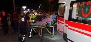 Düzce'de silahlı yaralama: 2 yaralı Düzce'de silahla yaralanan kadını hastaneye götürmek isteyen araç zincirleme kaza yaptı