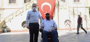 Çorum Belediyesi'nden engelli vatandaşa akülü araç