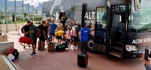 Birçok futbol takımının kamp tercihi Afyonkarahisar oldu Antalyaspor ve Altay, Afyonkarahisar'da kampa başladı Afyonkarahisar'da 70'e yakın takım kamp yapacak
