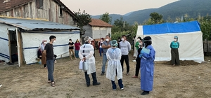 Fındık işçileri bahçeye girmeden sağlık taramasından geçti Fındık toplamak için doğudan gelen fındık işçilerine özel test yapıldı