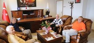 A Milli Futbol Takımı Teknik Direktörü Şenol Güneş, Avrasya Üniversitesi'ni ziyaret etti