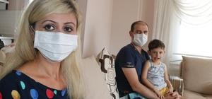 (Özel) Katarakt ameliyatı olmaya hazırlanırken Covid-19 olduğunu öğrendi Mersin'de 39 yaşındaki kadın, hastanede katarakt ameliyatı olmak için hazırlık yaptığı sırada hiçbir semptom ve belirti göstermemesine rağmen yapılan testlerinde Covid-19 olduğunu öğrenince büyük şaşkınlık yaşadı Evinde karantina süreci devam eden bir çocuk annesi kadın, vatandaşların maske ve sosyal mesafe konusunda duyarlı olmalarını istedi