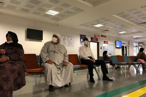 Vali tebdili kıyafetle hastaneleri denetledi Validen hastanelere şok denetim