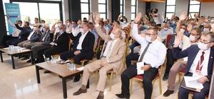"""Eskişehir OSB Olağan Genel Kurul toplantısı yapıldı Yönetim ve Denetim kurulları oy birliğiyle ibra edildi Eskişehir Organize Sanayi Bölgesi Yönetim Kurulu Başkanı Nadir Küpeli; """"19 yıldır çözülemeyen yol sorununu çözüme kavuşturduk"""" """"Bölgemizle Hasanbey Lojistik Merkezi arasında yapılacak bağlantı hattını Bakanlık yapacak"""""""