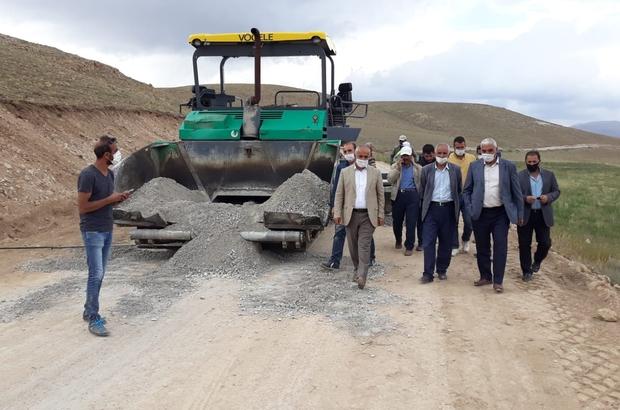 Başkan Ensari, ilçede devam eden asfalt yol yapım çalışmalarını yerinde inceledi