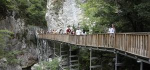 (Özel) Pandemi engel olmadı, Horma Kanyonu ziyaretçi akınına uğradı Adrenalin tutkunları Horma Kanyonu'na akın etti