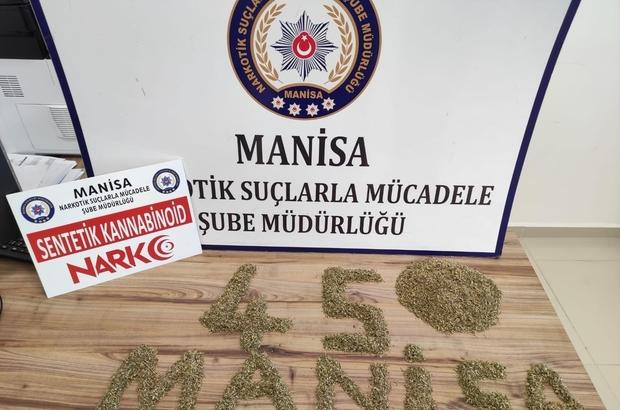 Uygulama noktalarında durdurulan iki araçta uyuşturucu ele geçirildi Uyuşturucu ticareti yaptıkları gerekçesiyle gözaltına alınan 8 kişiden 7'si tutuklandı