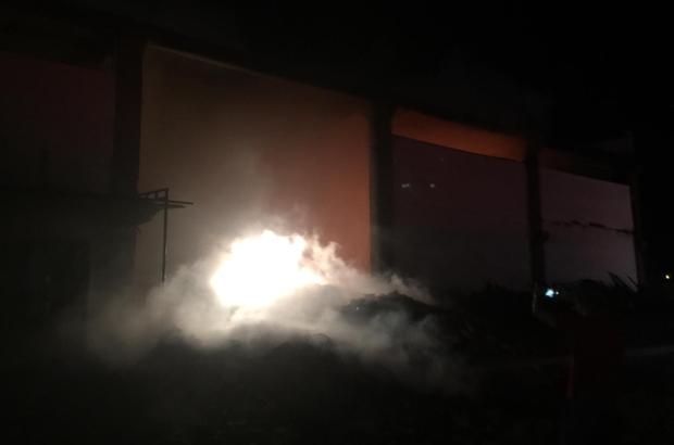Alaşehir'de işyeri yandı