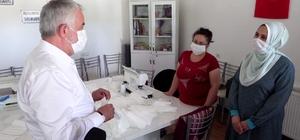 Isparta Belediyesi'nin maske üretimi devam ediyor
