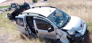 Çorum'da iki otomobil çarpıştı: 1'i ağır 5 kişi yaralı