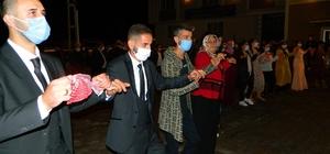 Posof'ta Covid-19 denetimleri sıklaştırıldı Düğünde maskeli halay