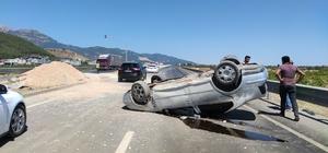 Otomobil takla attı: 6 yaralı Aile faciadan döndü