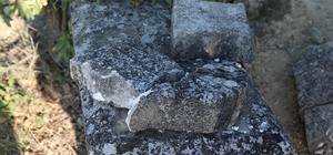 Tescilli tarihi mezarların koruma altına alınması isteniyor